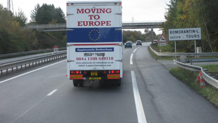 Removal lorry in France / French Autoroute
