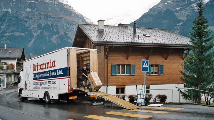 Britannia Appleyards Removals of Yorkshire unloading in Grindelwald Switzerland